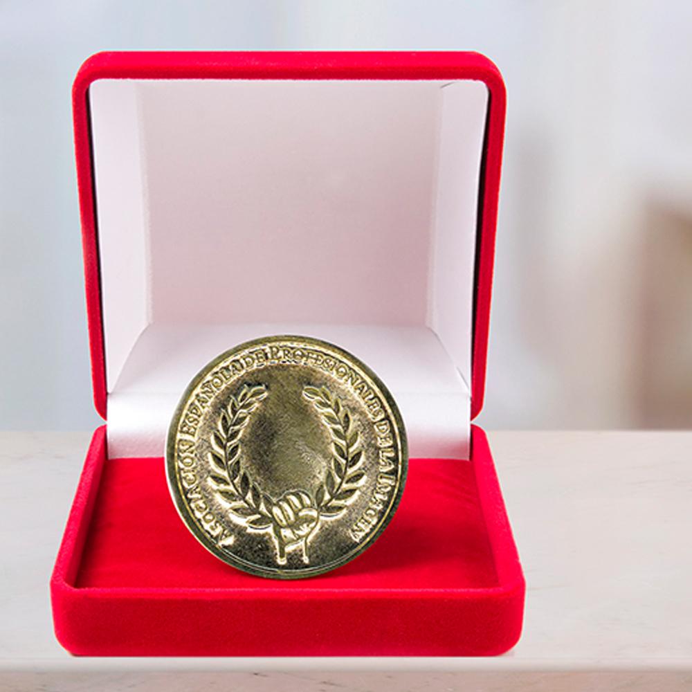 HYD, lusso ed eleganza nelle calze, riceve la Medaglia d'Oro all'Immagine